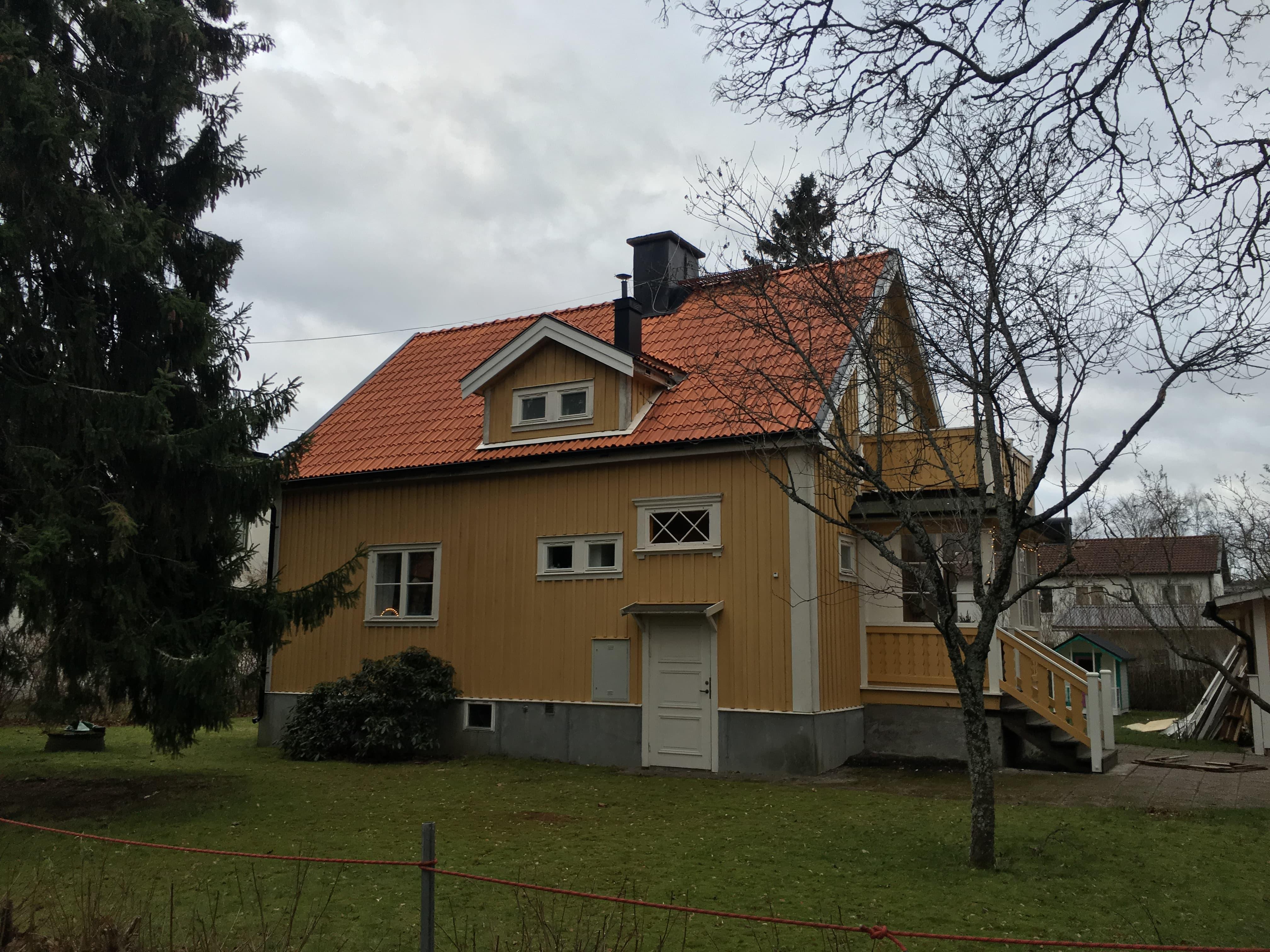 Takläggare Huddinge / Takläggning  Solvägen