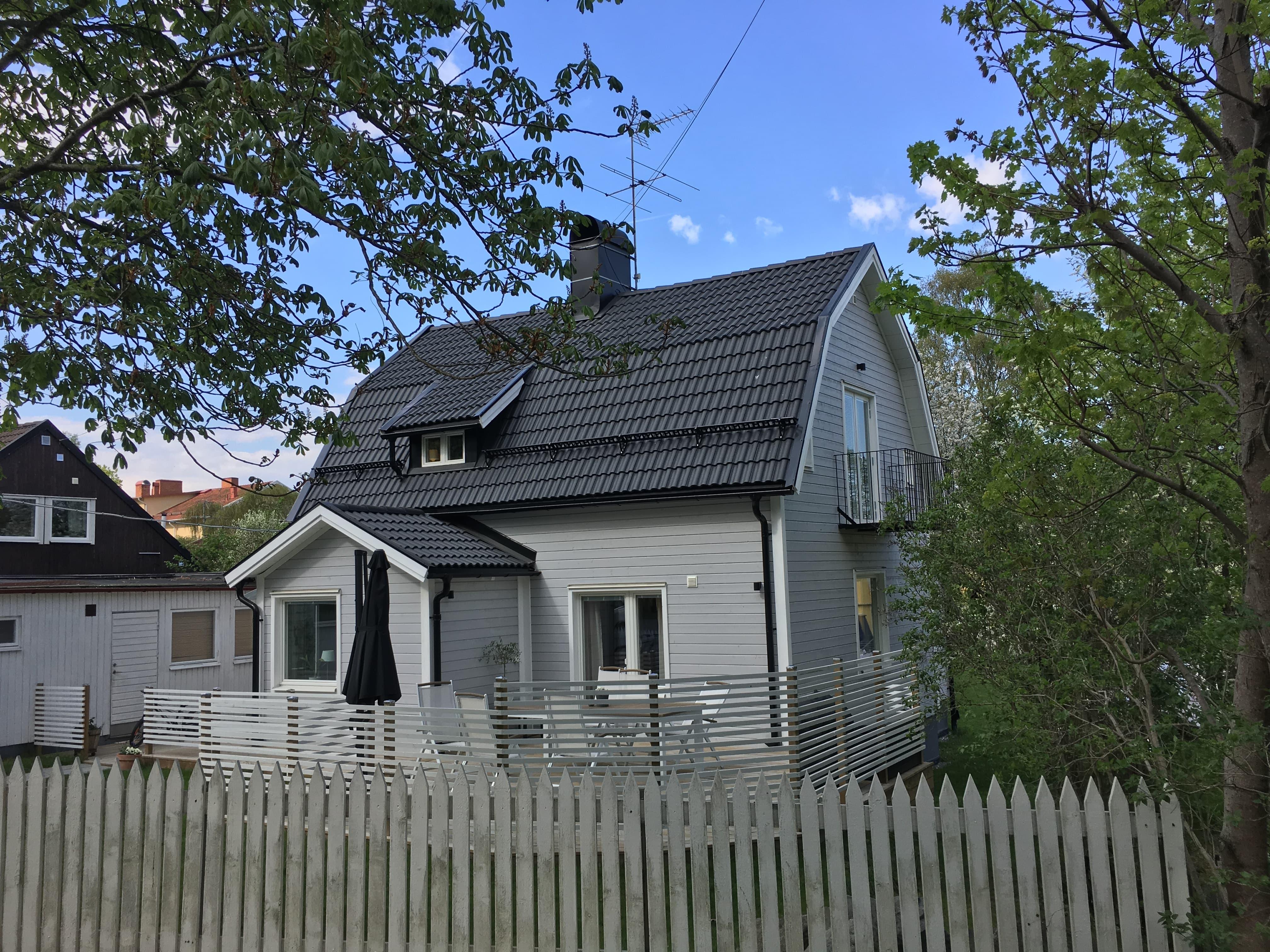 Fasadrenovering StockholmTilläggsisolering av yttervägg och fasad.