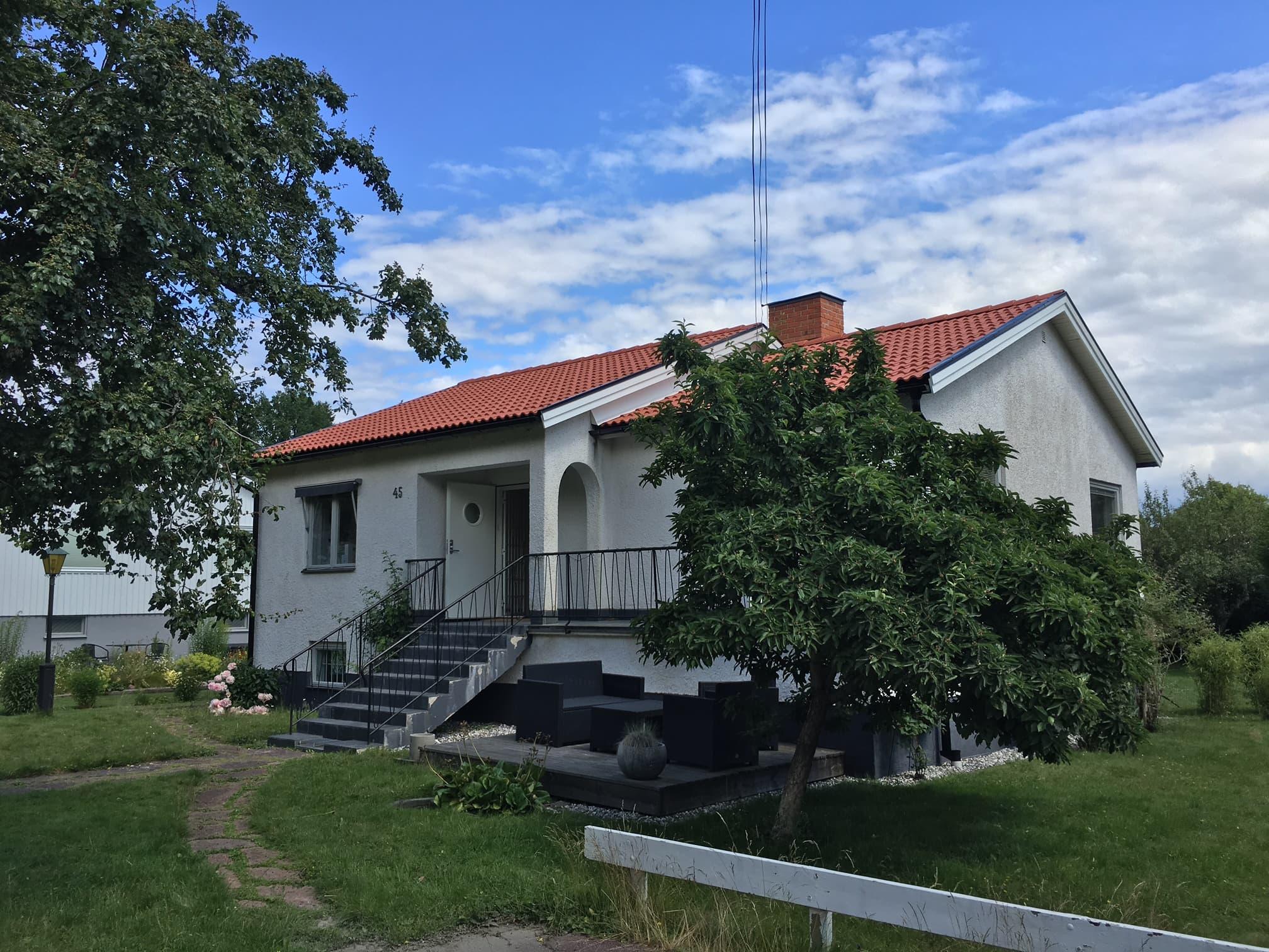 Takläggare Huddinge / Takläggning  Stockholm -RAO Tak & Bygg är ett erfaret företag med säte i Stockholm som specialiserar sig på takläggning arbeten i Stockholm området.